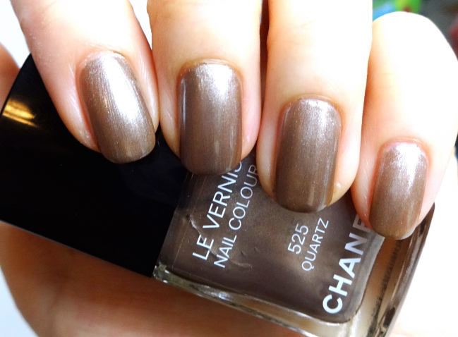 Chanel Le Vernis 525 Quartz review