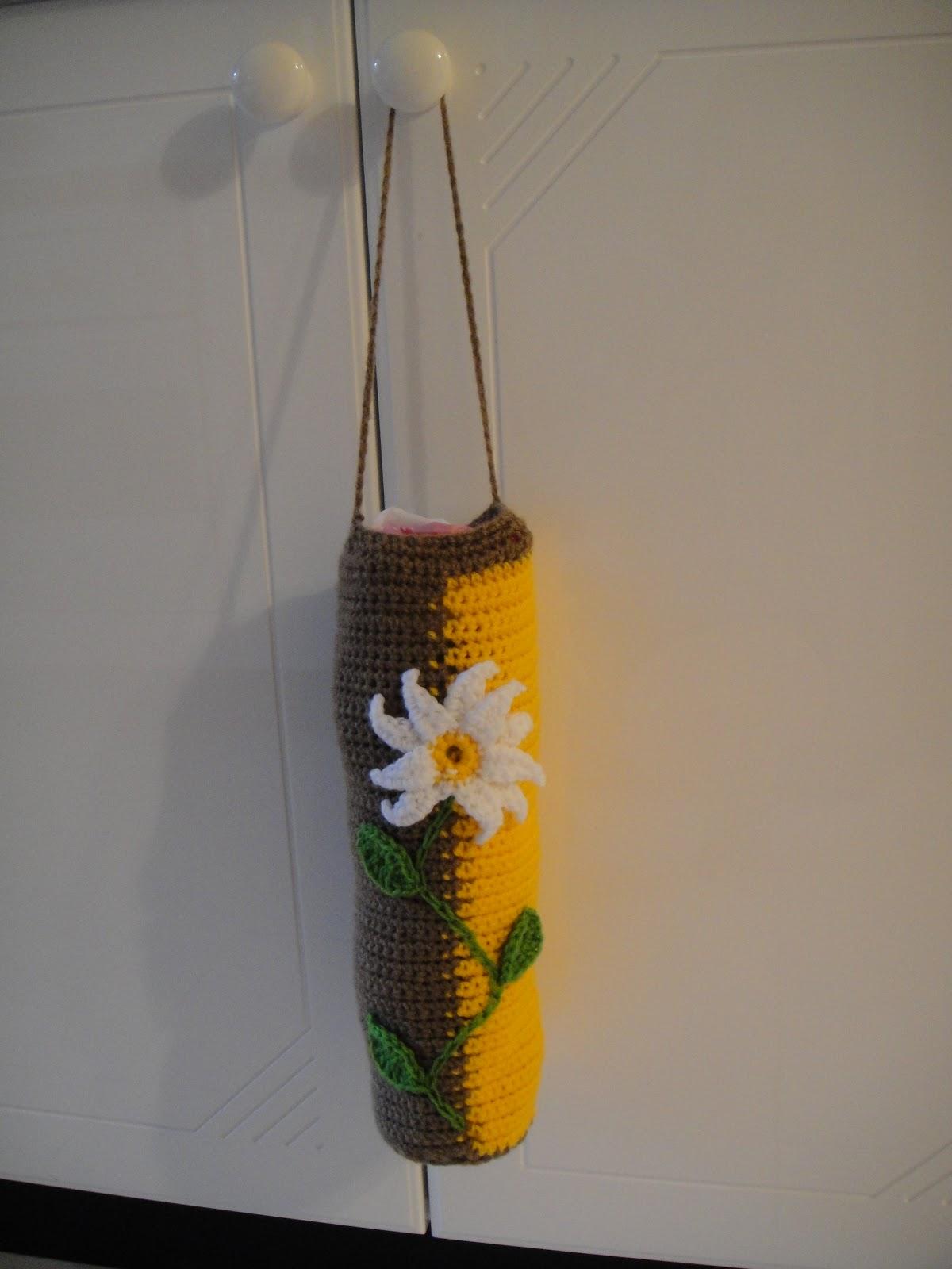 LittleMsBusy: Cute Plastic Bag Holder