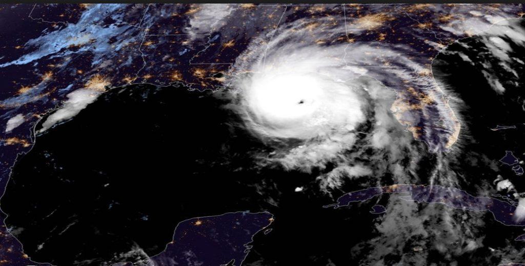 Κυκλώνας «τέρας» πλησιάζει τις ΗΠΑ – Εγκαταλείπουν άρον άρον την Φλόριντα