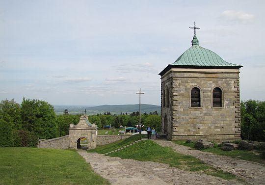 Brama wschodnia z XVII wieku.
