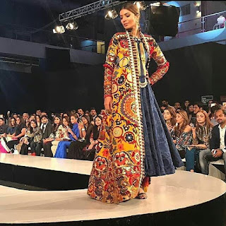Khadi-khas-collection-at-pfdc-sunsilk-fashion-week-2017-14