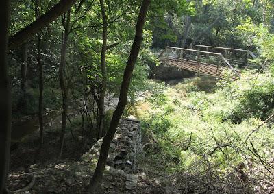 Closed bridge over Kelly's Run Creek