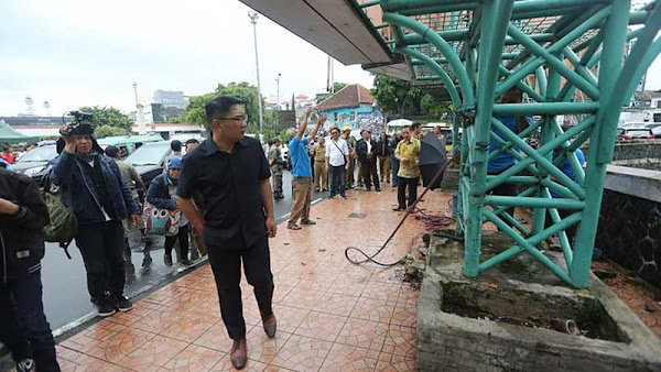Pemkot Bandung Tertibkan Reklame yang Tidak Sesuai dengan Karakter Kota