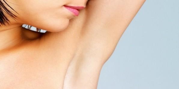 5 λόγοι που δεν μπορείς να ξεφορτωθείς τη δυσάρεστη μυρωδιά του κορμιού σου