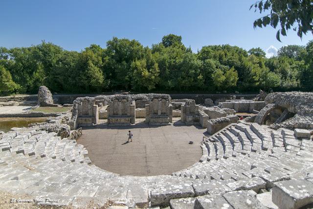 Teatro Romano de Butrint - Albania por El Guisante Verde Project