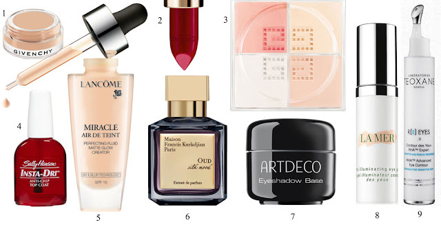 Кремовые тени Ombre Couture, Gvienchy; Помада Colour Riche Pure Reds by Blake, L'Oréal Paris; Пудра Prisme Libre, Givenchy; Топовое покрытие для маникюра Insta-Dri, Sally Hansen; Тональная основа Miracle Air de Teint, Lancôme; Парфюм Oud Silk Mood, Maison Francis Kurkdjian; База под тени Eyeshadow Base, Artdeco. Гель для контура глаз The Illuminating Eye Gel, La Mer; Крем для контура глаз R(II) Eyes Rha, Teoxane.