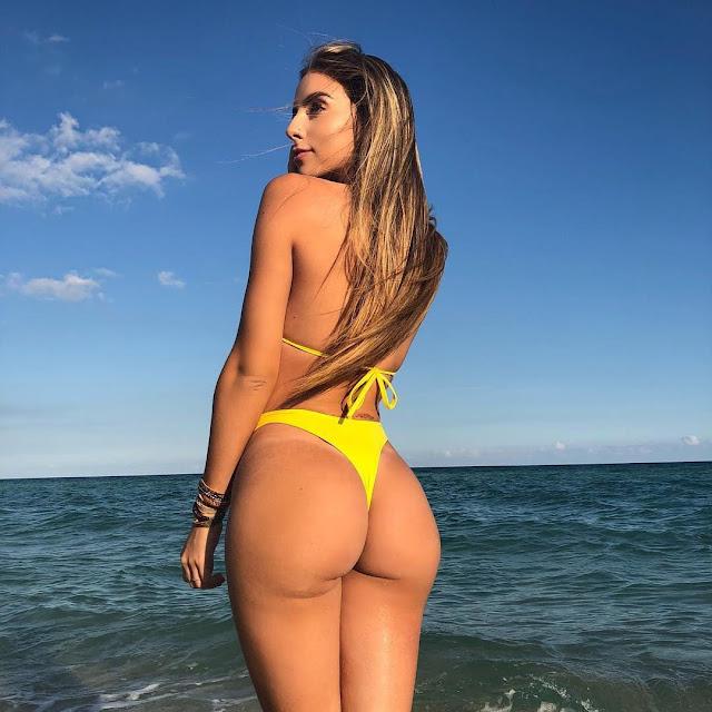 Bruna Lima booty