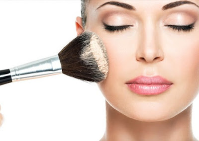 Top-5-easy-makeup-tips-to-make-you-look-younger-naturally-3