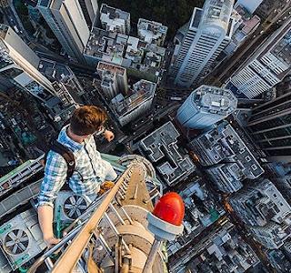 pemandangan dari atas gedung tinggi
