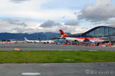 Aeropuerto internacional el dorado bogot republica de colombia estudios de la aviacion la - Vuelos puerto asis bogota ...