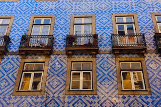 Ceramic tile façade in Portugal