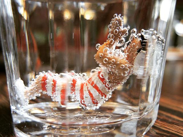 oeps, ik liet 1 van de jansen in mijn glas bruiswater vallen...