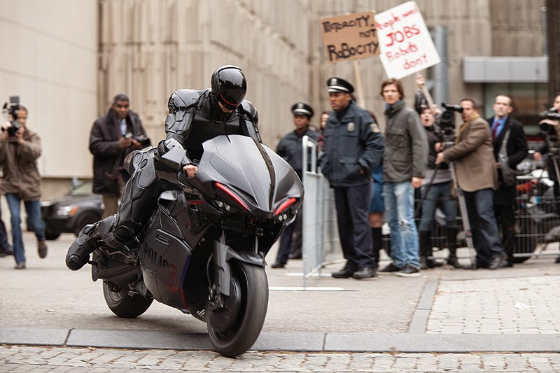 Kawasaki Z 1000 Bike Used In Robocop 2014 Movie Rider S Digest