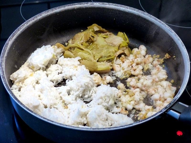 Ajoutez le riz et les poireaux.