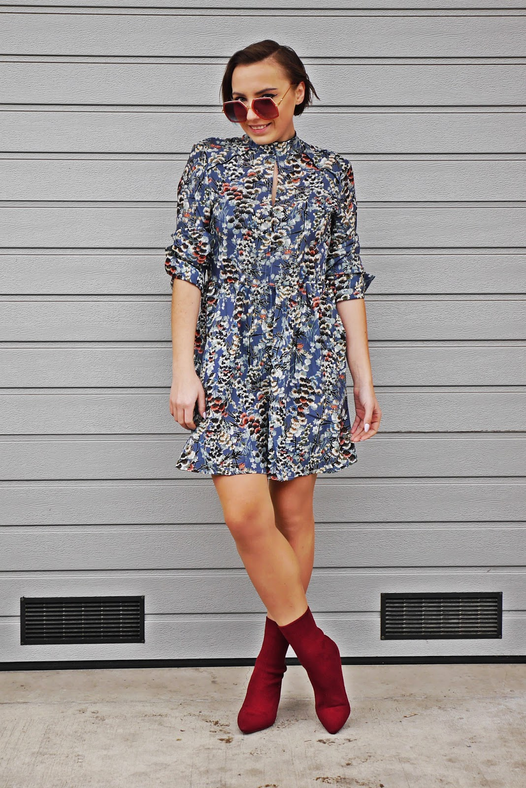 5_floral_dress_burgundy_socks_shoes_karyn_log_modowy_renee_uty_120218sw