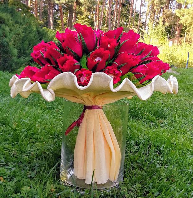 Bukiet róż z Ferrero na 50-te urodziny