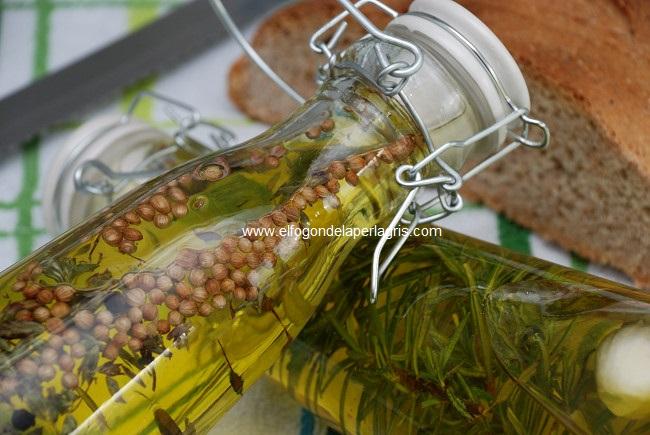 Detalle aceites aromatizados para desayunos