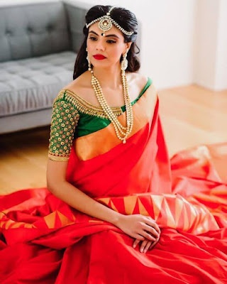 This South Indian wedding saree would make any woman look beautiful.