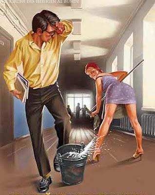 Schöne Hausfrau wischt den Fußboden witzig