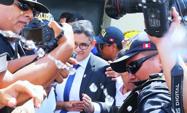 Fujimoristas agreden al fiscal José Domingo Pérez