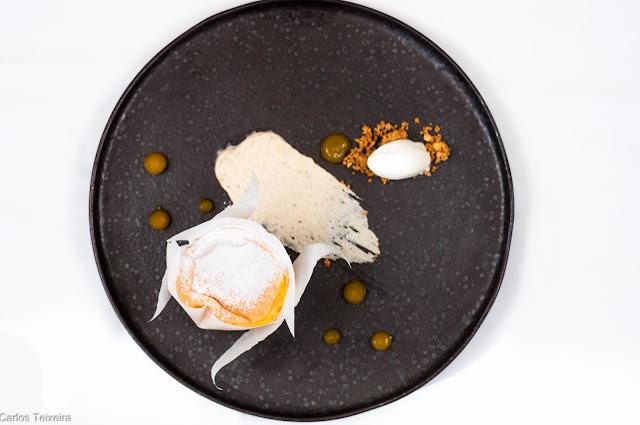 Pão-de-ló de Ovar com gelado de queijo da serra