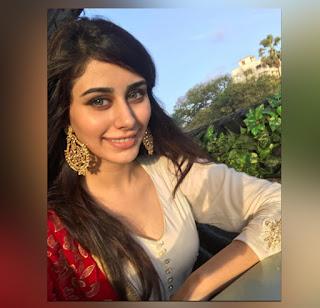 warina hussain New ladki Image