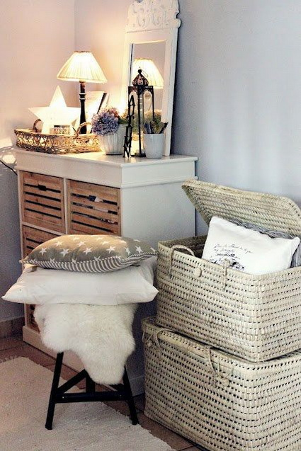 Ideas for decorating with wicker baskets 9