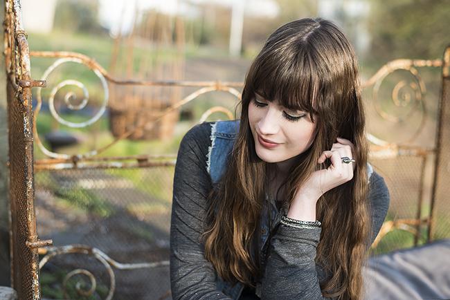 Modeblog-Deutschland-Deutsche-Mode-Mode-Influencer-Andrea-Funk-andysparkles-Berlin-Sneakers-Jeansweste