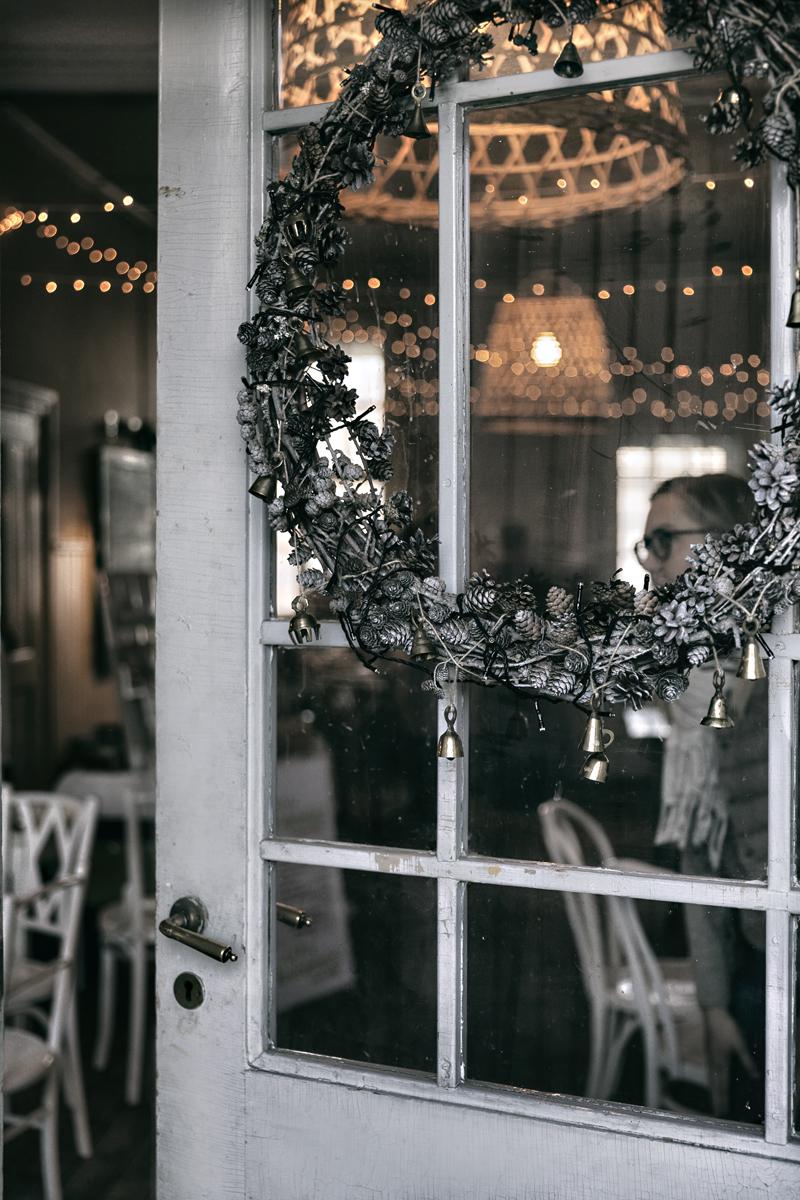 Parolan Aseman Joulumarkkinat, markkinat, myyjäiset, Parola, Hämeenlinna, Asema, Rautatieasema, vanha talo, puutalo, asemarakennus, Visualaddict, valokuvaaja, Frida Steiner, joulu, joulun odotus, joulumyyjäiset