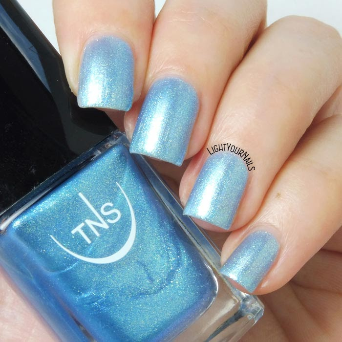 Smalto azzurro TNS Cosmetics Firenze 537 Sirena light blue nail polish #TNSCosmetics #TNSLungomare #unghie #nails #lightyournails