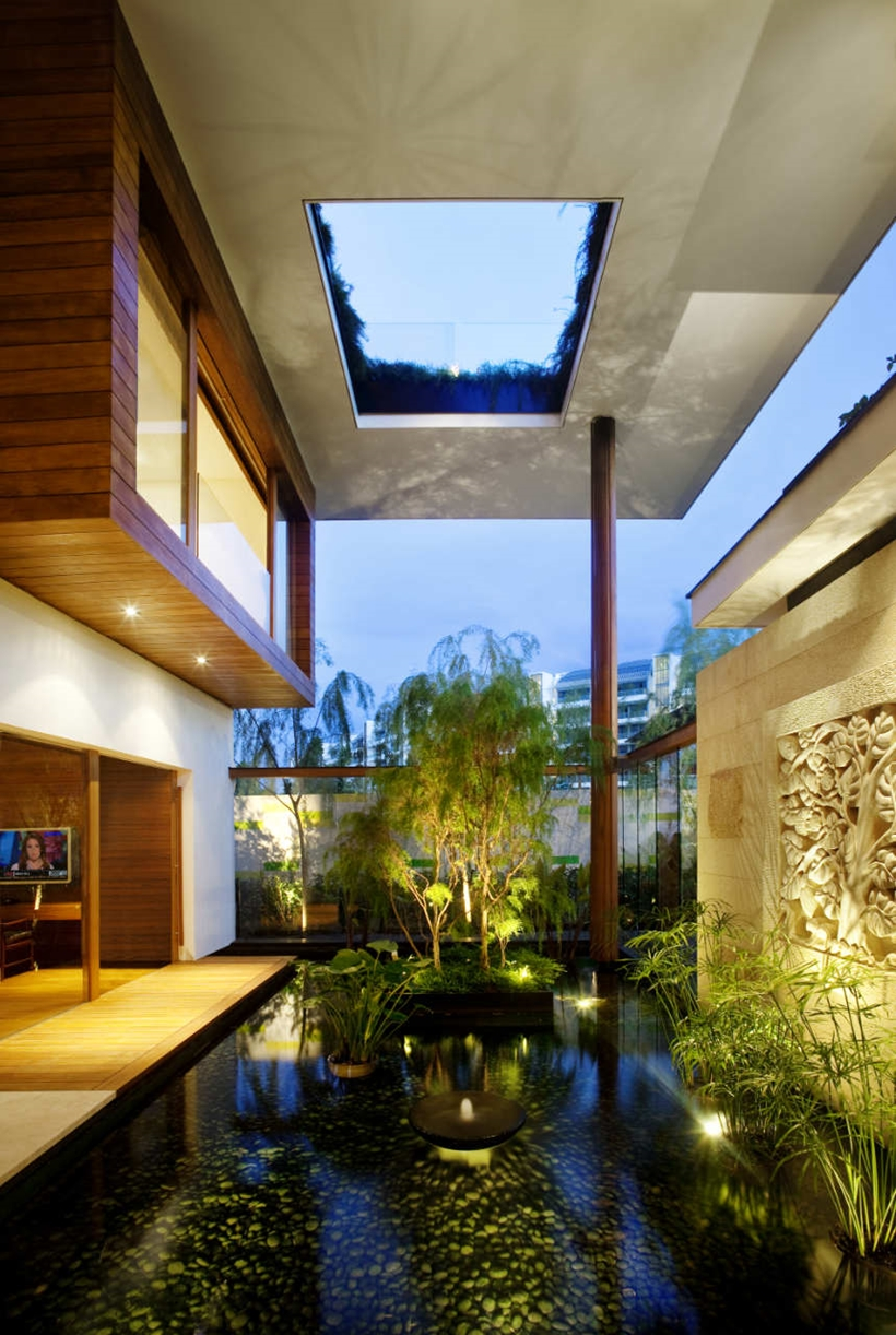 Pond in an Amazing home with impressive green roof, Singapore