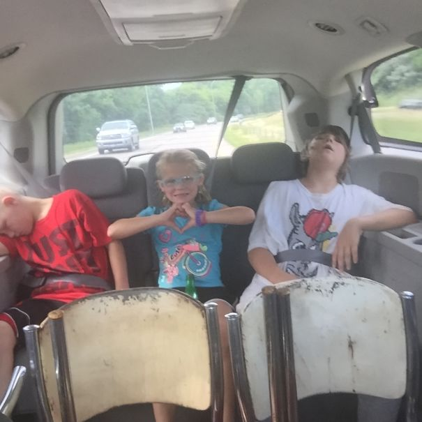 15+ Hilarious Pics That Prove Kids Can Sleep Anywhere - Long Ride