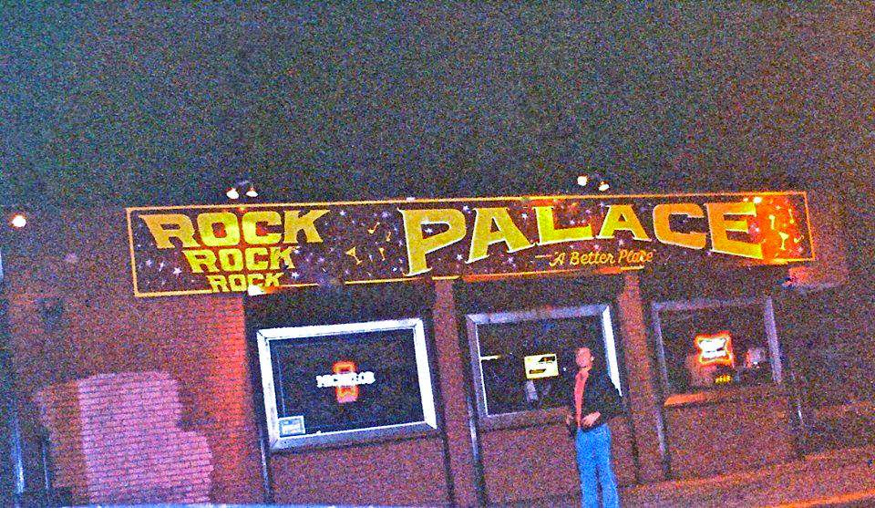 The Rock Palace... home sweet home for my friends & me!! Staten Island, New York. My mom & Dad used to frequent this place when it was called Cuchinello's Pizzeria when I was a little kid. Pretty cool right!