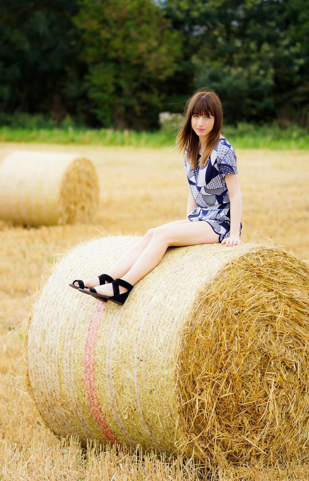 Hello Freckles Hay Bales Harvest OOTD 1