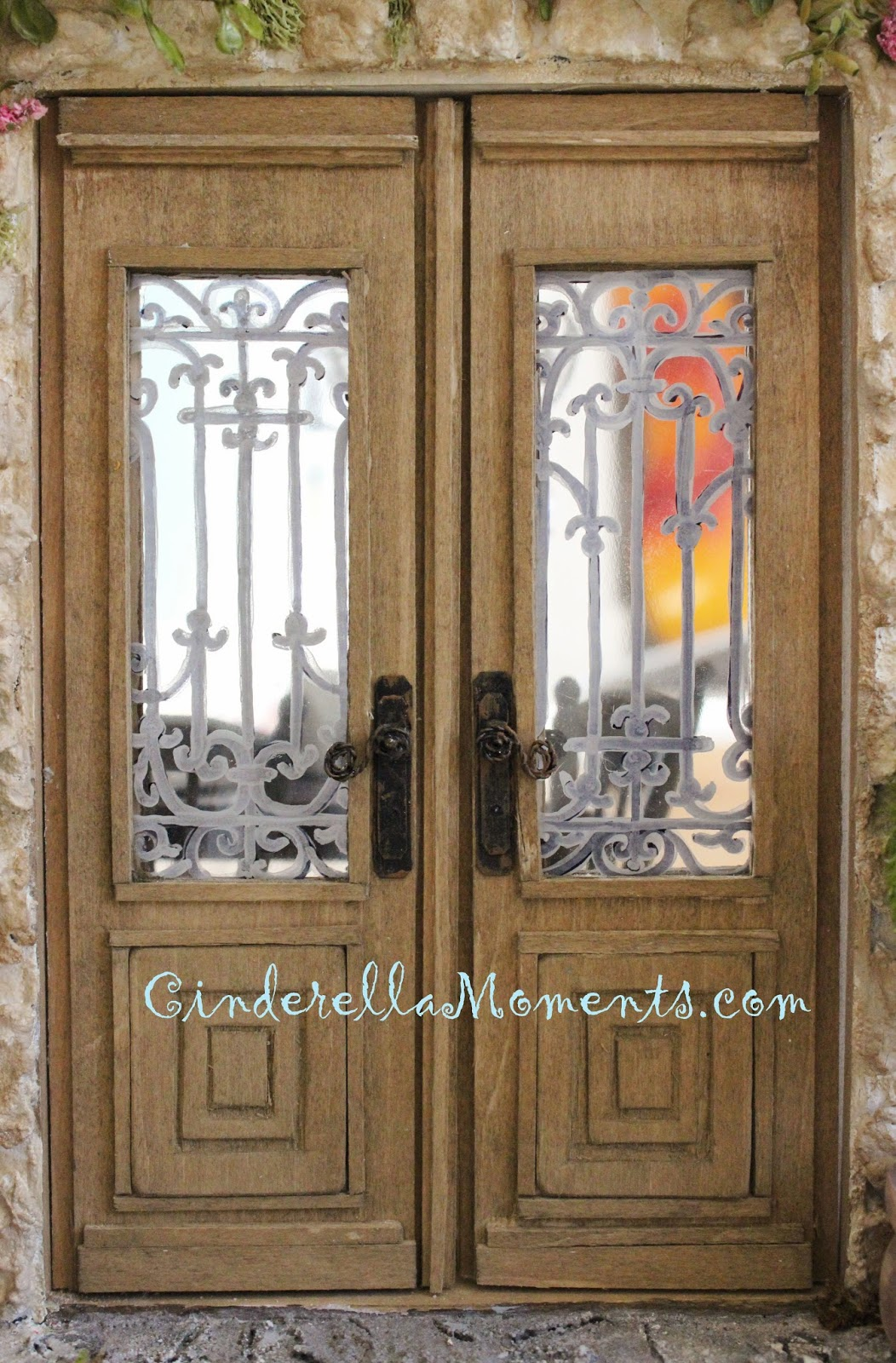 Cinderella Moments Easy Dollhouse Miniature Door Knob