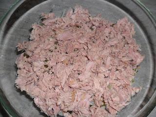 Sałatka warstwowa z tuńczykiem, pani domowa