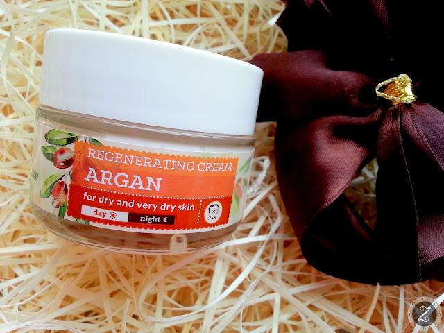 Czy warto kupić krem odżywczy z olejem arganowym od Farmona Herbal Care?