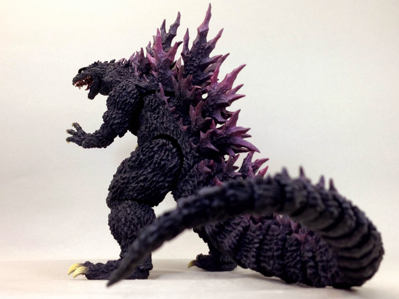 Import Monsters S H Monsterarts Godzilla 2000 Millennium