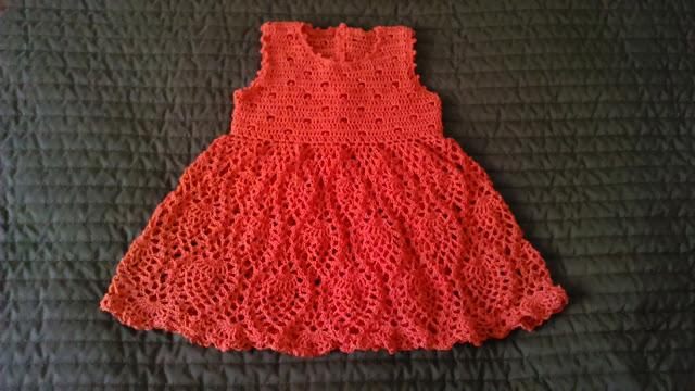 Koralowa sukieneczka