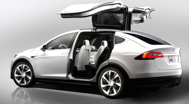 Tesla Model X: Software Update Turns Gullwing Into