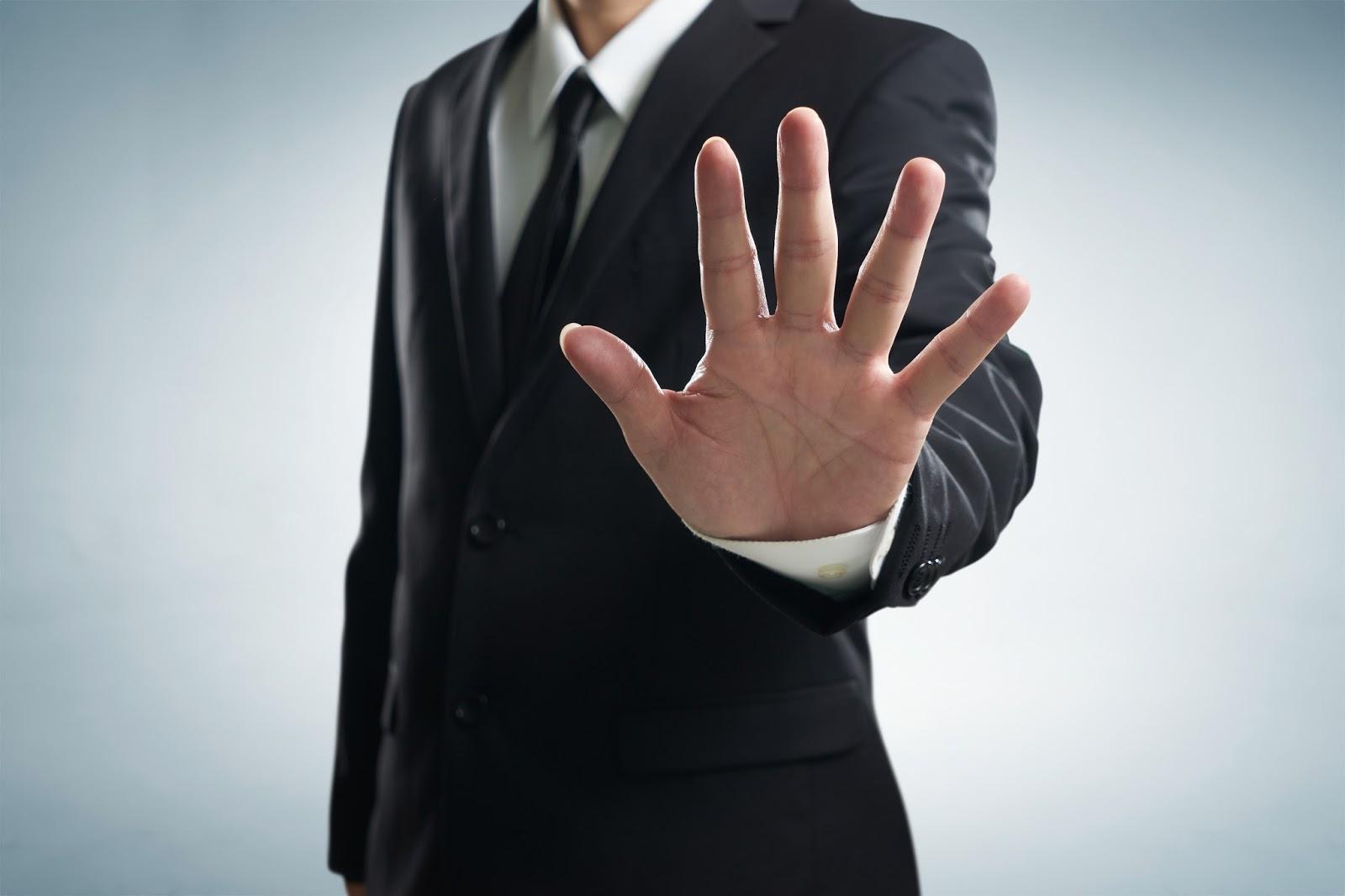 7 grzecznych sposobów odmówienia klientowi usług PR