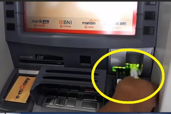 Langkah Pertama Menarik Uang Tunai di ATM Mandiri