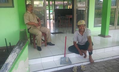 HONORER K2 TAJIR !!! di SMP N 01 Pringapus Kab. Semarang