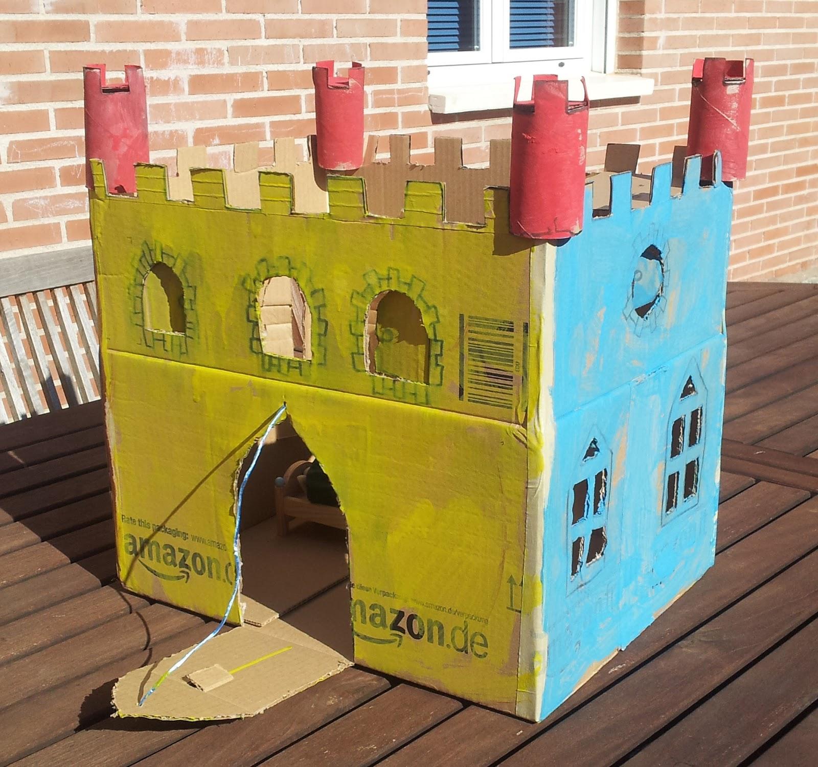 Adriana Ugarte Castillos De Carton de carton castillos online- castillos de cartón tráiler