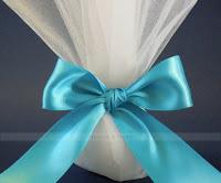 White tulles wedding favors