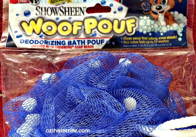 Absorbine's ShowSheen Woof Pouf eliminates all kinds of pet odors