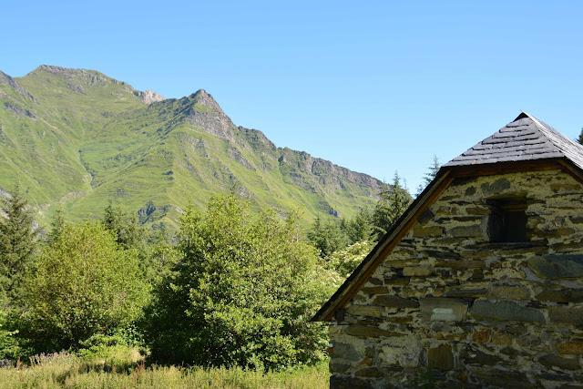 Explorer la montagne: le GR 10 de Gourette à Cauterets
