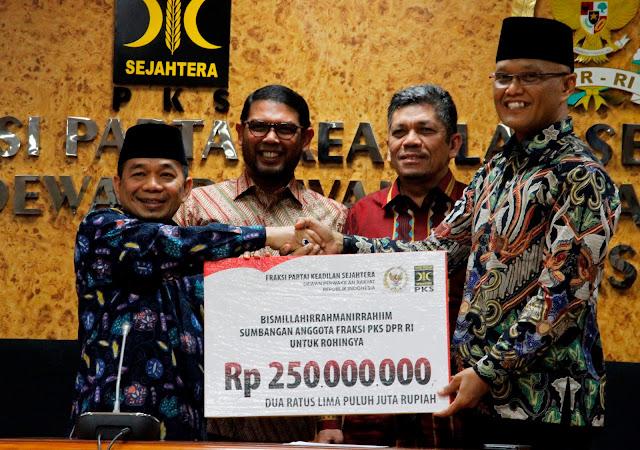 Potong Gaji Anggotanya, Fraksi PKS Sumbang 250 Juta Untuk Rohingya