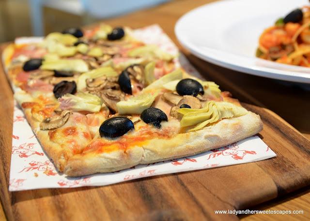 Capricciosa in Barilla restaurant Dubai