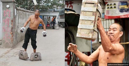 Bapak Ini Olahraga Pakai Sepatu dari batu Yang beratnya 70 kilogram | liataja.com